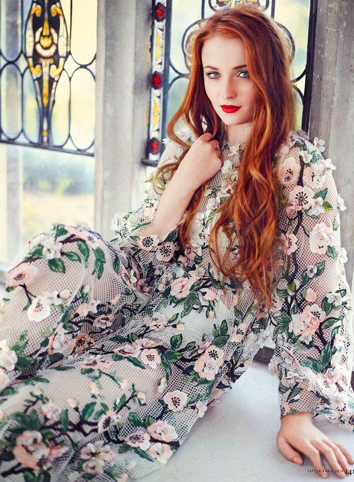 Best photos of Sophie Turner in Dolce&Gabbana Sophie