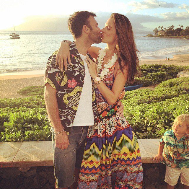 Pin for Later: The 52 Sweetest, Sexiest Celebrity PDA Moments of 2014 Alessandra Ambrosio and Jamie Mazur