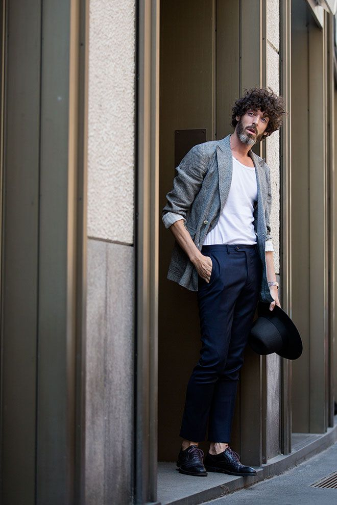 Street looks à la Fashion Week homme printemps-été 2016 de Milan, chapeau, barbe, t-shirt blanc