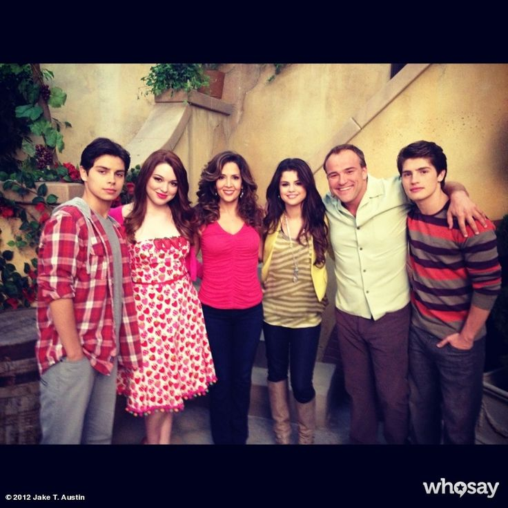 """Jake T. Austin's, photo,""""It's officially over. Last moments on set with my tv fa…"""""""