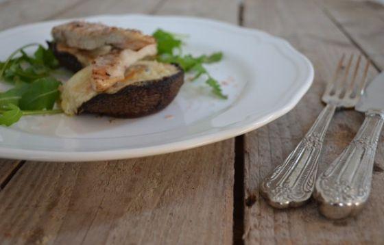 Portobello Mushroom stuffed with Cheese Sauce and Chicken