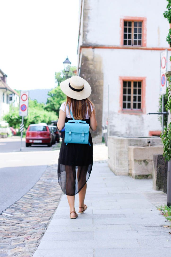 BAGS FOR PETITES: CUTE NEON BLUE BACKPACK