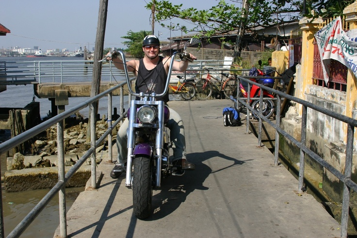 Bangkok 750 chop with ape bars