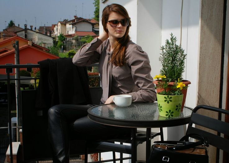 THE FASHION WINGS: Brown and black outfit