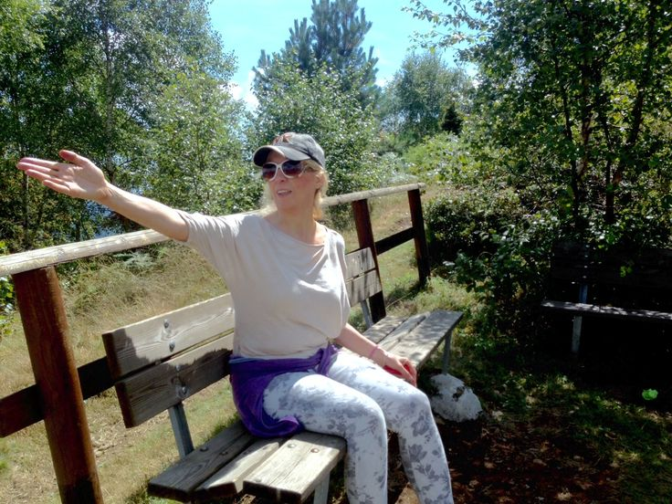a healthy walk in the mountains 20.8.15 Claudia e Simon Claudia's Secrets School of life1