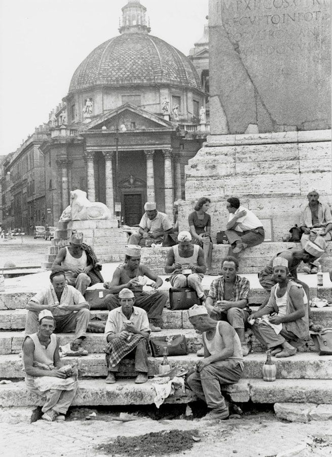 Roma ,Piazza del Popolo (1956) -- I just pinned this because I love to say this in Italian. Piazza del Popolo. Piazza del Popolo. :-)