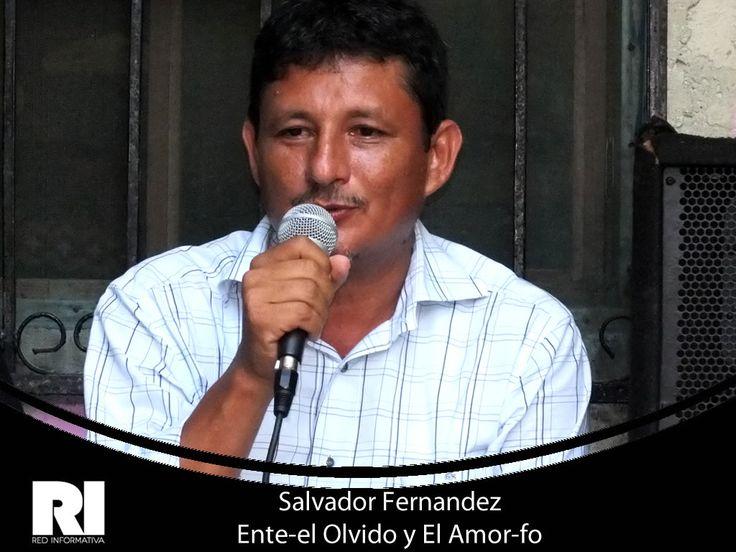 Salvador Fernandez en la Presentacion del Libro Ente- el Olvido y el Amor-fo de Ali Benitez en el Restaurante Centro Cultural Mora Mora