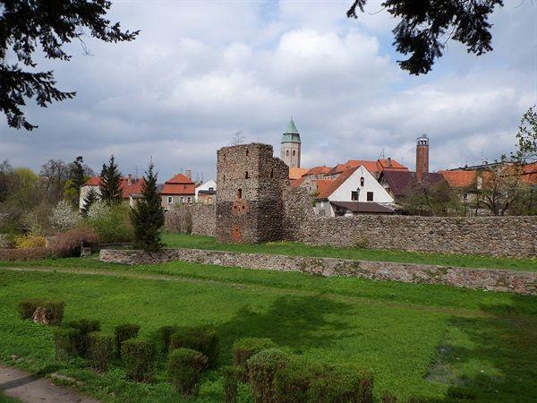 KOŻUCHÓW: Panorama średniowiecznego Starego Miasta