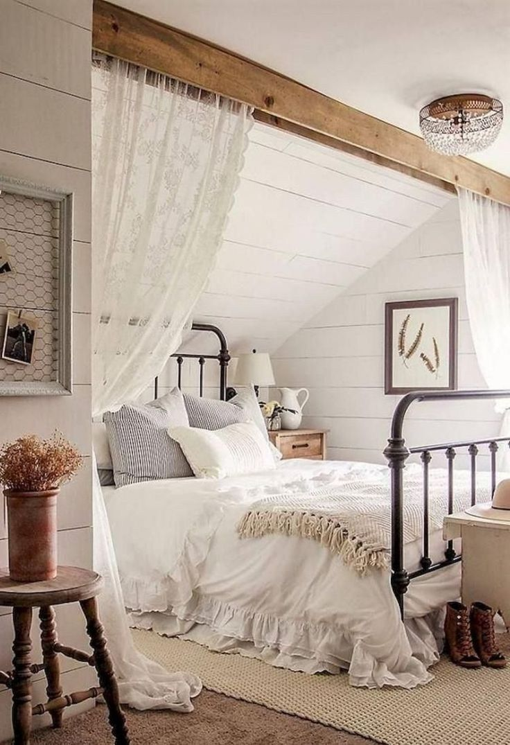 33 Farmhouse Rustic Master Bedroom Ideas For You Farmhouse Style Master Bedroom Small Master Bedroom Master Bedrooms Decor