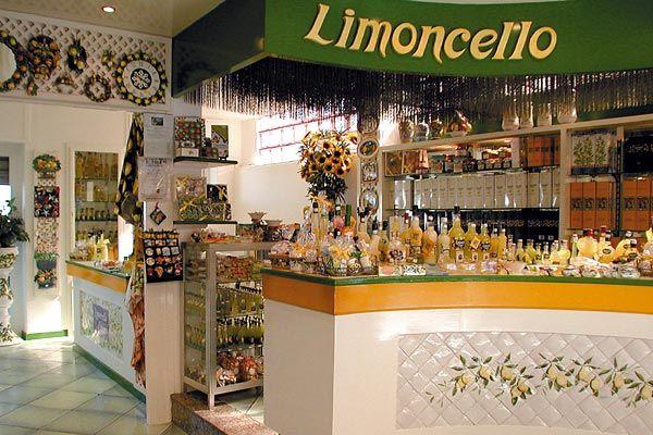 Limoncello di Capri Local products on Capri