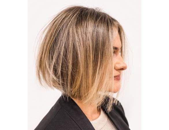 15 Coiffures Pour Cheveux Courts Reperees Sur Instagram Coupe Carre Cheveux Fins Coiffures Cheveux Courts Carre Court Cheveux Epais