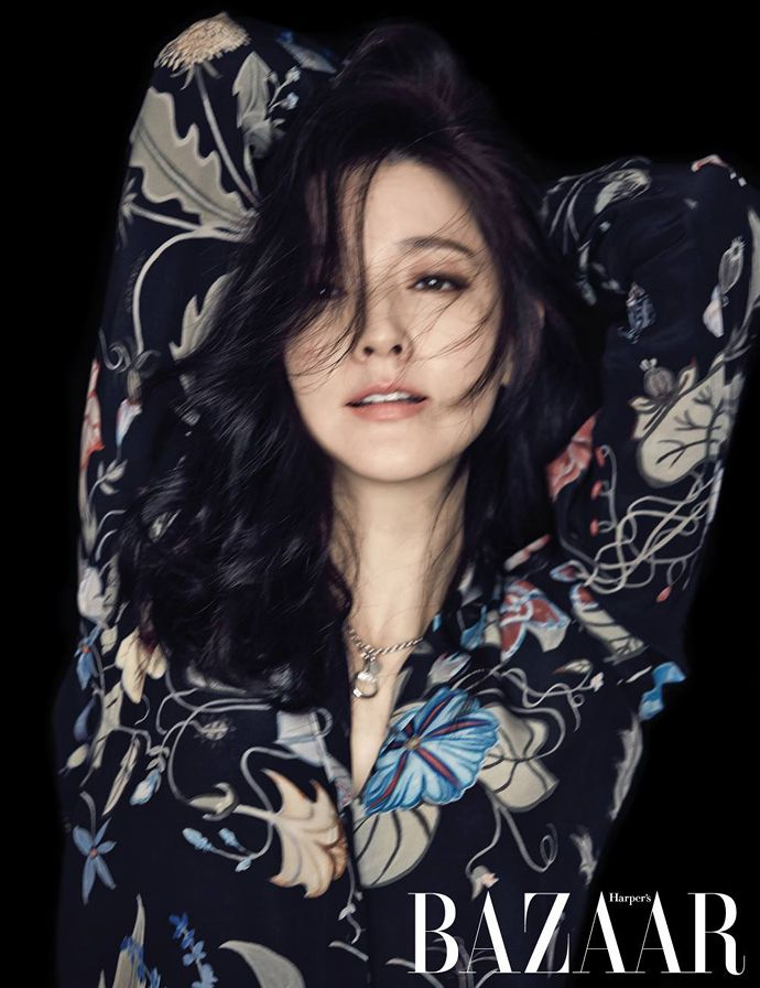 Do-Gooder Beauty Lee Young Ae For Harper's Bazaar Korea's January 2015 Edition | Couch Kimchi