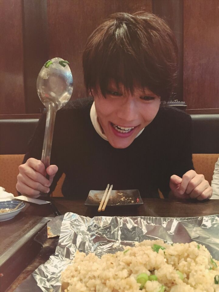 Taishi Nakagawa eats chaahan (fried rice) in Osaka