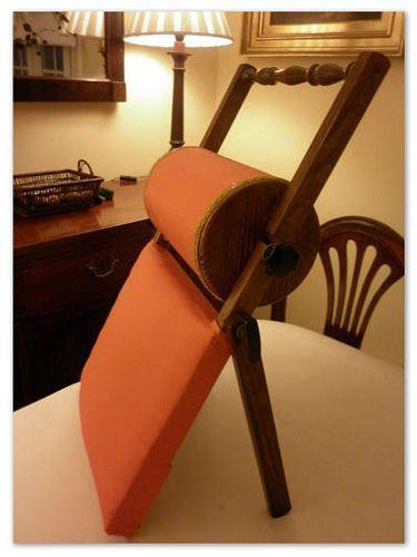 Almohadilla de Santiago de Compostela - lace pillow: Santiago-style, or from the Santiago region of Spain