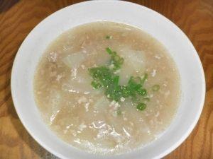 「美味しい。冬瓜と豚ひき肉の中華スープ」ビタミンCがたっぷりの冬瓜がたくさん入った美味しいスープです。【楽天レシピ】