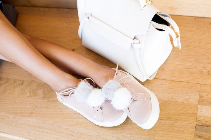 Tavaszi trend alert: pom-pomos lábbelik - Tökéletes választás tavaszra a pom-pom cipő! Nézd meg, milyen darabok közül válogathatsz!
