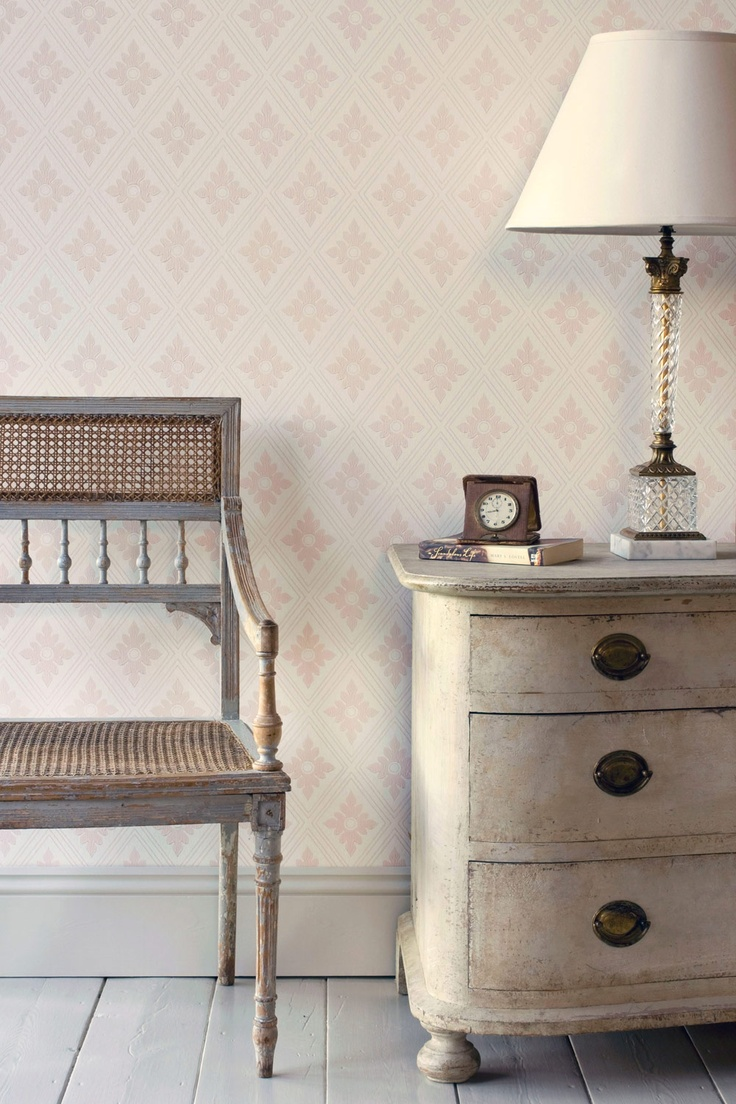 Color Story Inspiration Photo ~ Guest Bedroom ~ Farrow & Ball - The Ranelagh Papers BP 1817