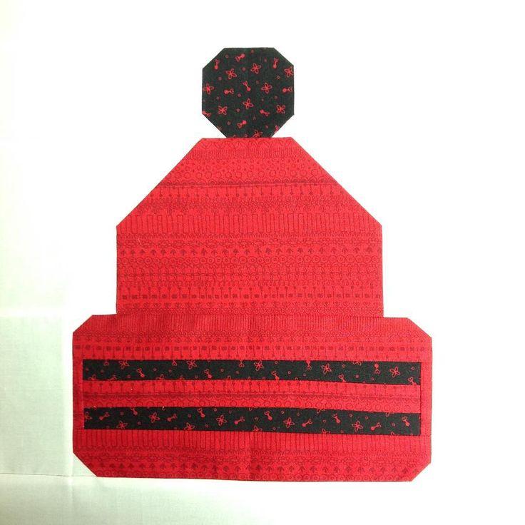"sewalittle: #thecanadiansampler round 2 block 1 ""Keep n Warm"" from @sewsistersquiltshop designed by @upstairshobbyroom #piecing #quilting"