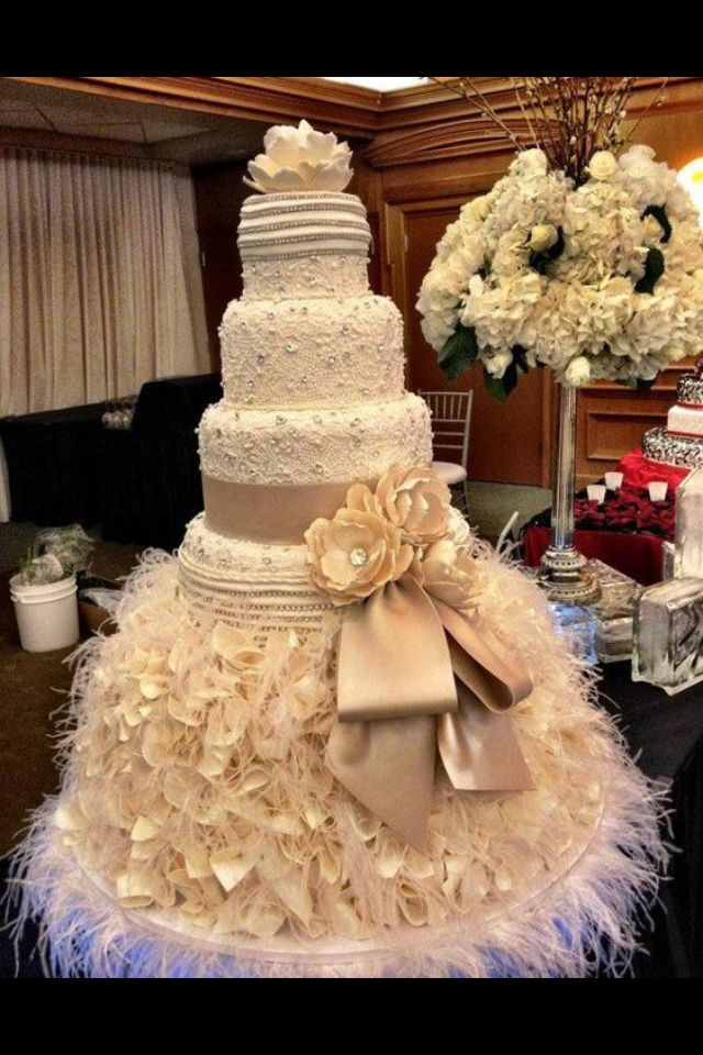 Crazy, over the top, gorgeous wedding cake.