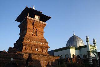 Sastra dan Terjemahan: Kudus, Semarang, dan Liem Sioe Liong