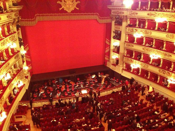 @Teatro alla Scala  #Milano, Lucia di Lammermoor - Interno, vista dalla seconda galleria