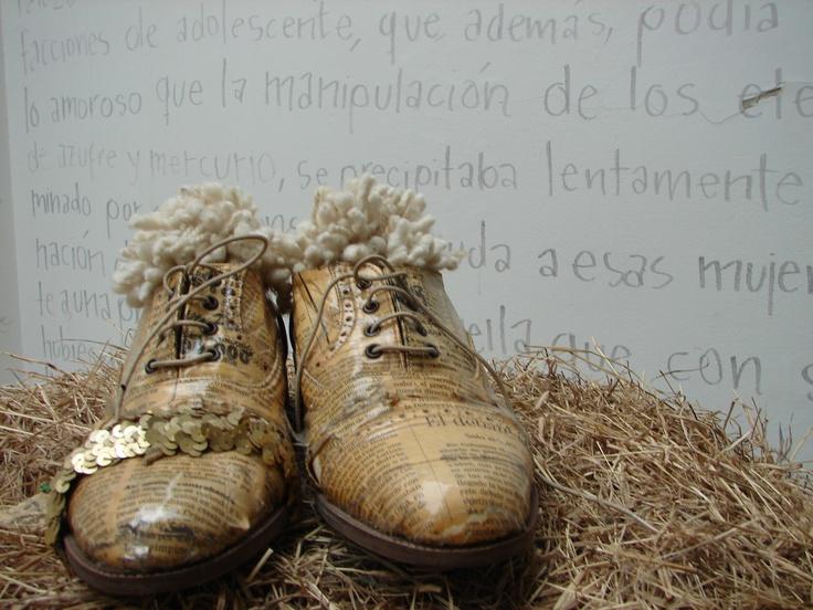 Runway newspaper shoes - Olga Piedrahita