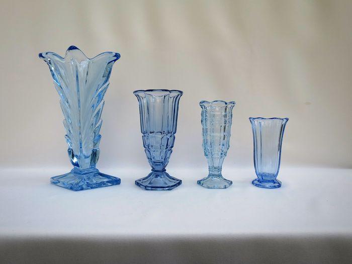 Online veilinghuis Catawiki: Boheems glas - vazen in blauw art deco persglas
