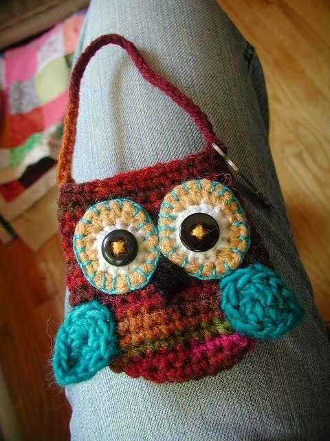This little purse is so cuteCrochet Ideas, Owlies Keys, Crochet Bags, Crochet Pur, Crochet Owls, Owls Pur, Knits Rambling, Keys Pouch, Crochet Pattern