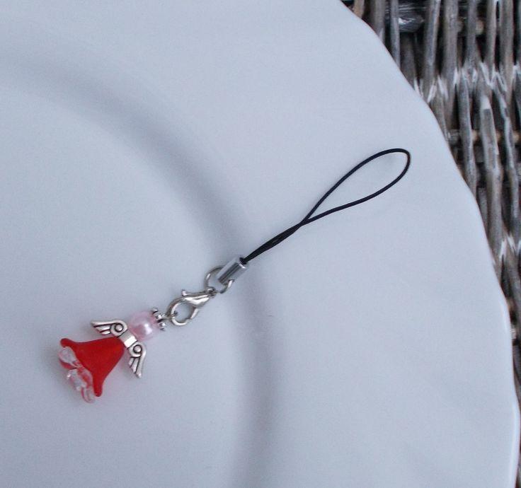 Přívěsek - anděl Korálkový přívěsek na mobil - andílek - karabinku lze sundat a nosit i na řetízku na krku, připevnit jako dekoraci k dárku či pověsit na malý vánoční stromek jako ozdobu. Materiál: mix akrylových, skleněných a kovových korálků. Na přání možno vyrobit téměř v jakékoliv barvě. Každý přívěsek je originál.