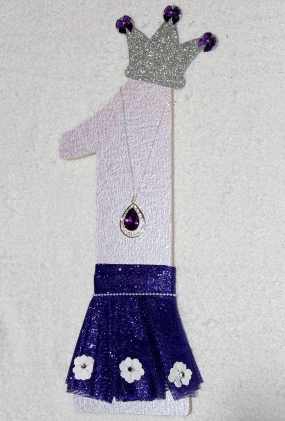 Madera gran número 1 púrpura princesa con fiesta de cumpleaños