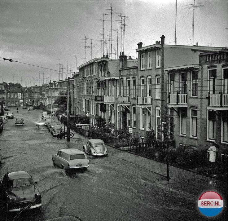 Hommelseweg 1962 met wateroverlast