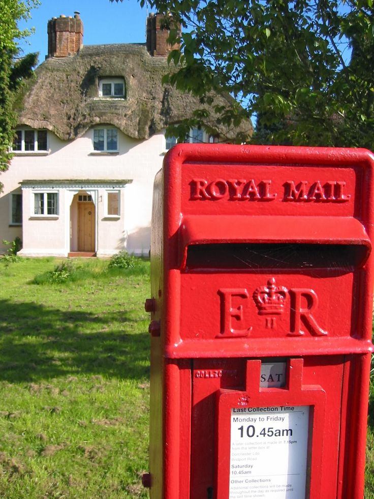 Thatched cottage and Royal Mail box, Dorset, England. Postbox. Royal Mail. Letters. Happy Mail. Stamps. United Kingdom. Iconic. British.