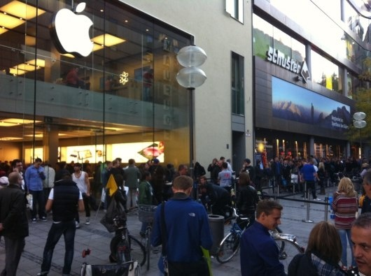 iPhone 5 Release Date Finally Here: USA, France and Germany