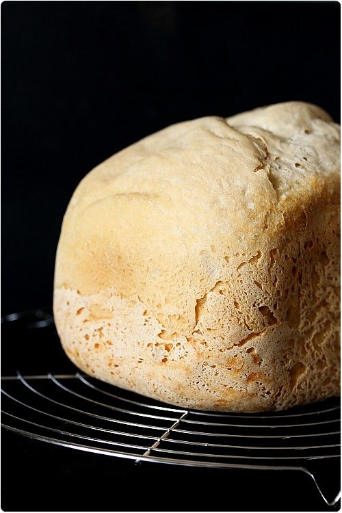 Tous mes conseils sur le choix de la machine à pain, les conseils d'entretien, le choix de ingrédients et les recettes de base.