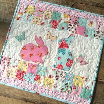 Bunny Applique Mini Quilt made with Elea Lutz' Milk, Sugar & Flower fabric collection #ilovepennyrose #FabricIsMyFun