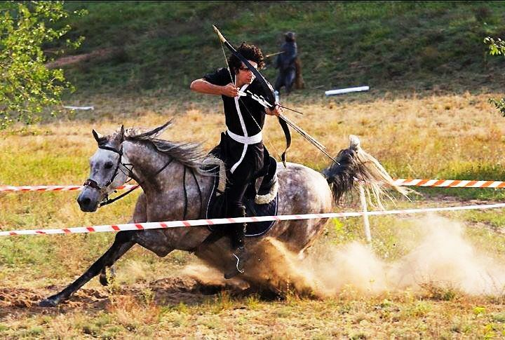 That is real speed in mounted archery.