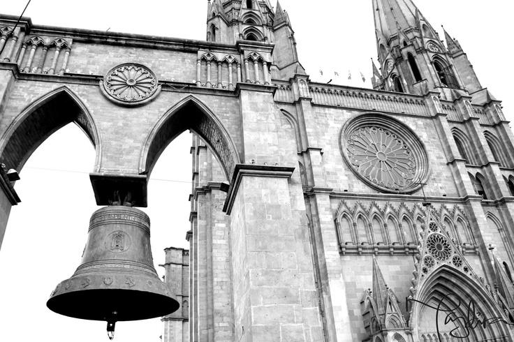Iglesia y Campana, Arandas, Jalisco.