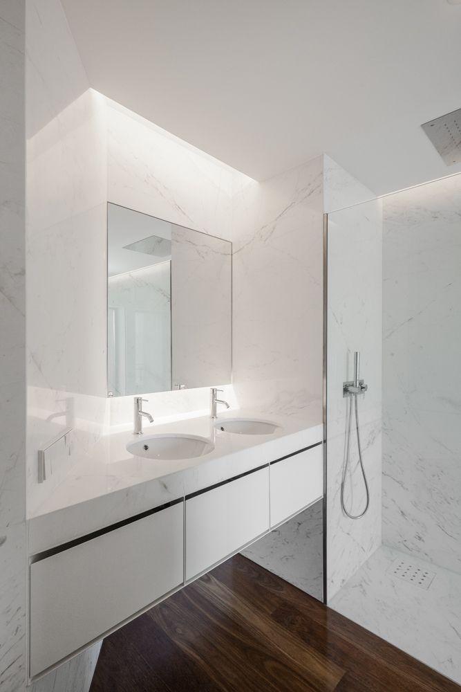 Projecto da autoria de Paulo Fernandes Silva - dEMM Arquitectura - Reabilitação de Apartamento na Foz