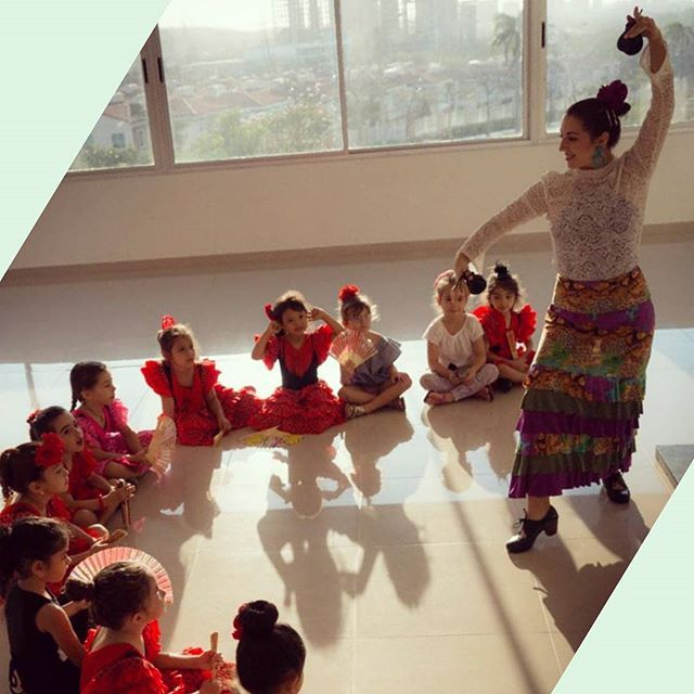 Feliz día del fotógrafo en Colombia. Gracias por capturar este bello momento con las flamenquitas @marupaezfoto  #diadelfotografo #colombiaflamenca - - - #carmentortflamenco #flamenco #bailaora #flamenca #baileflamenco #flamencodance #flamencodancer #flamencodancing #baile #dance #dancer #danza #flamencogirl #flamencoteacher #followme #flamencophotography #flamencocolombia #flamencobogota #flamencocartagena #flamencoencali #flamencomedellin #flamencobarranquilla #flamencospain…