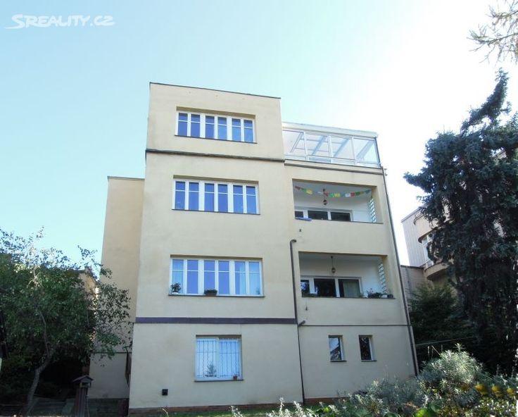Vila 524 m² k prodeji Pod Klaudiánkou, Praha 4 - Podolí; 0 Kč (info v RK), patrový, samostatný, cihlová stavba, velmi dobrý.