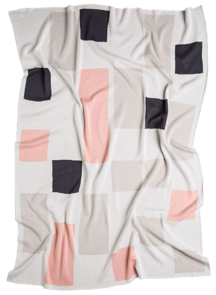 Kate & Kate The Ella Classic Blanket (Peach) $139 (https://norsu.com.au/collections/bedlinen-and-blankets/products/kate-kate-the-ella-classic-blanket-peach)