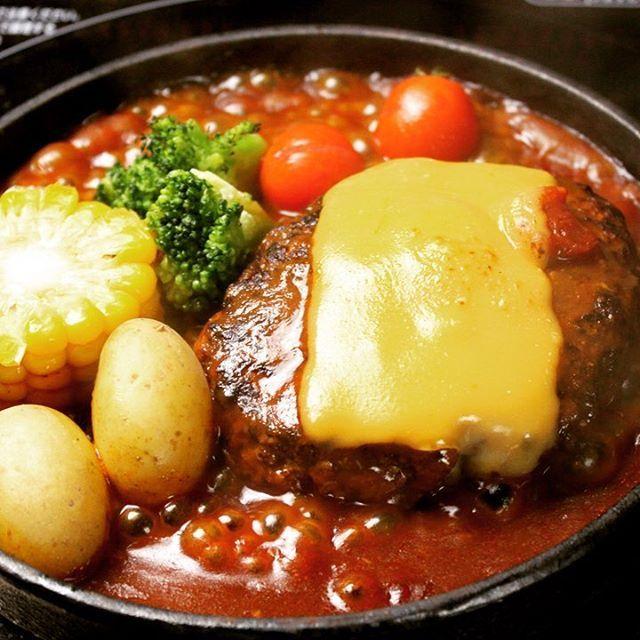 チーズハンバーグランチ‼️ 美味しいよ😋  #grillchurrasco #ブラジル #osaka #umeda  #chayamachi #grill #茶屋町 #梅田  #肉美人 #肉  #シュラスコ  #食べ放題 #バイキング #美人 #ランチ #お誕生日  #女子会  #チーズ  #churrasco #Carnes #Almoco #Janta #Gostoso  #cheese
