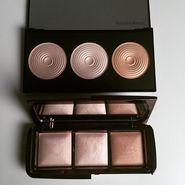 I've read that the #makeuprevolution Radiance highlighter palette was a great dupe for the #hourglasscosmetics Ambient Lighting palette, so I wanted to see for myself if it's true! The colors look almost identical but the hourglass powders are a lot more pigmented and their staying power is better!
