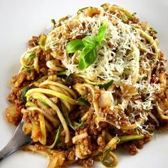Zoodles Bolognese – die ideale Low Carb und Paleo Pasta