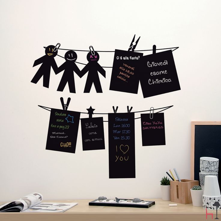 Black Notes are small boards with funny shapes where you can write notes and messages as if they were hanging papers.