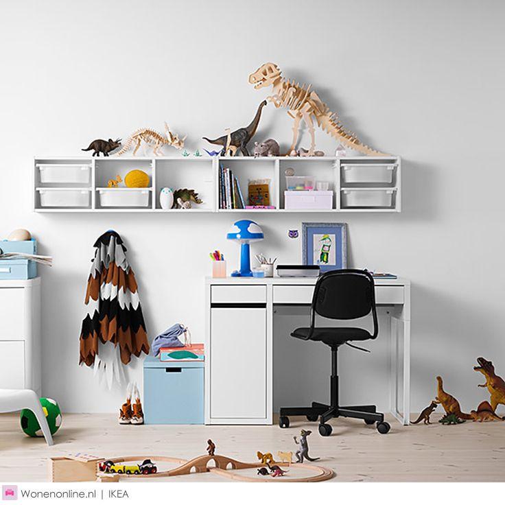 Back 2 school met IKEA. Of je kind nu voor het eerst naar school gaat, al op de middelbare school zit of gaat studeren: je knappe kop heeft thuis een plek nodig om te leren. Daarom heeft IKEA gestudeerd op hoe je een eigen leerplek creëert in een kinder-, tiener- of studentenkamer.