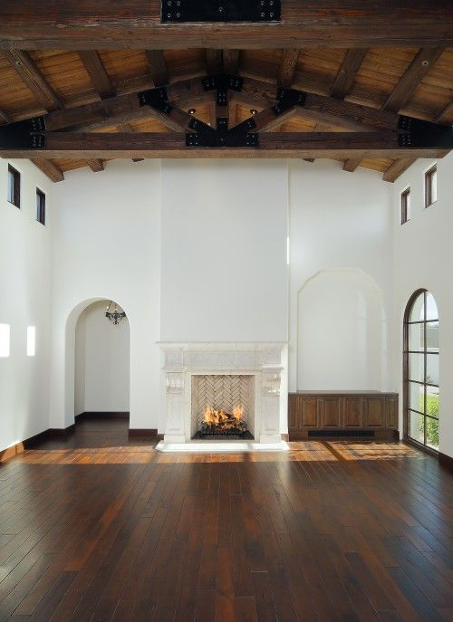 : Living Rooms, Expo Beams, Open Spaces, Fireplaces, Blank Canvas, High Ceilings, Families Rooms, Woods Ceilings, White Wall