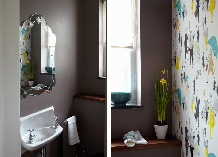 Paul Smith wallpaper in the downstairs loo