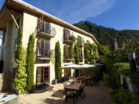 The Boutique Hotel, Luxury House in Queenstown & Lakes, New Zealand | #AmazingAccom #holidayhomes