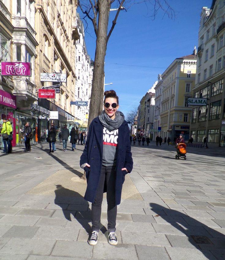 SUNday Style: Converse, Hose / Jeans  - Cheap Monday, RUN DMC T-Shirt aus der H&M Kinder Abteilun, Schal / Scarf von American Apparel, Mantel / Coat von Envii, Sonnebrille von ASOS